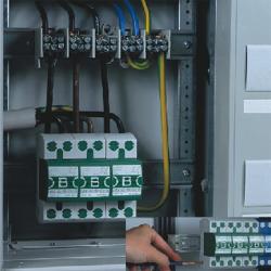 间隙型 B 级电源防雷器