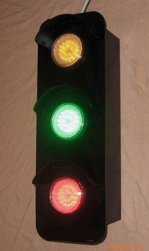 交通灯 交通信号灯 信号灯 500_845 竖版 竖屏