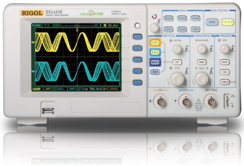 1. 提供高达 2 GSa/s的实时采样速率,50 GSa/s 的等效采样率;保证有效捕获实时瞬态信号, 同时可观察重复信号的微妙细节 2. 波形刷新率高达2000 wfms/s 3. 超薄设计,体积小巧,大大减小桌面占用面积 4. 64 k色 TFT彩色液晶显示 5. 存储深度:10 kpts(单通道),5 kpts(双通道) 6.